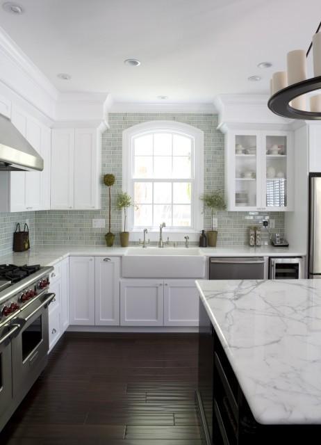 Beautiful white kitchen.