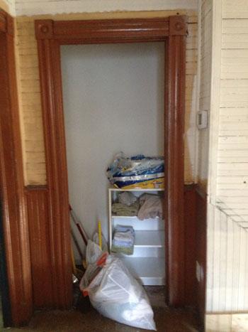 house-tour_linen-closet