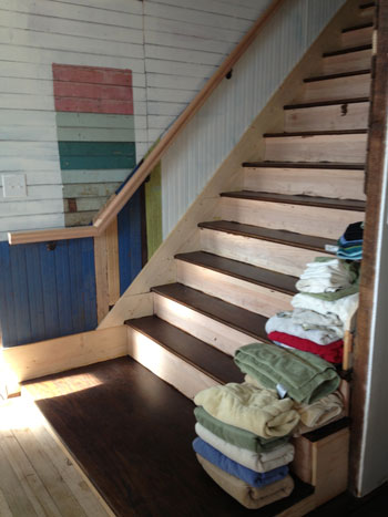 house-tour_stairs