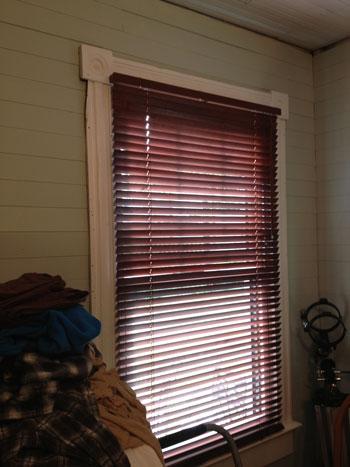 more-homey_bedroom-blinds