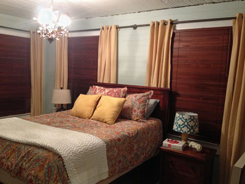 More-homey_bedroom-curtains