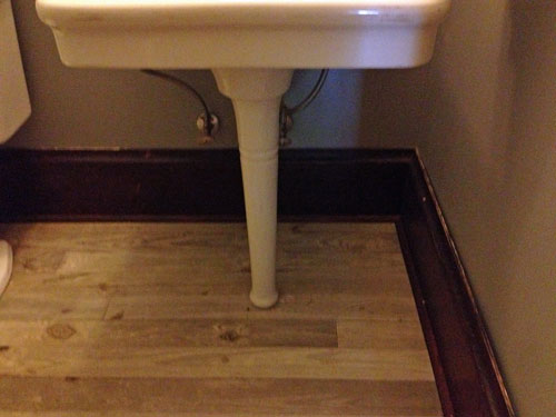baseboard_powder-bath